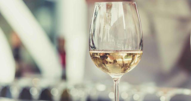 How to taste wine ?